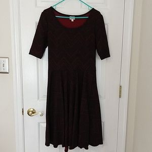 LuLaRoe Nicole dress L large red black zigzag